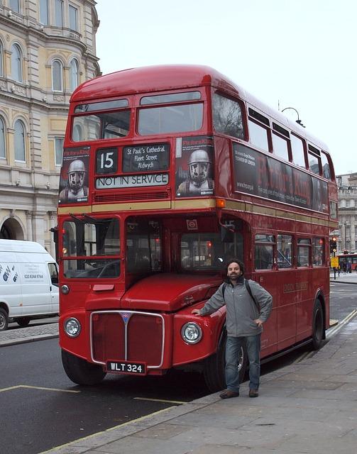 bus-819734_640